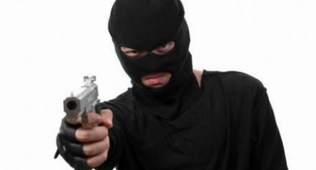 U Kuzmici opljačkali trgovinu, u Pakracu ukrali PVC prozore, a u Grabarju samo provalili u kuću
