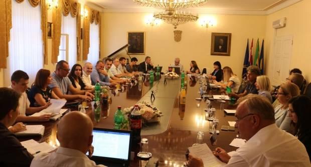 Usvojeno Izvješće o radu gradonačelnika Puljašića i polugodišnji izvještaj Proračuna Grada Požege