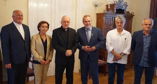 Pravi se dogovaraju za pomoć sirotinji, Milan Bandić posjetio biskupa Škvorčevića