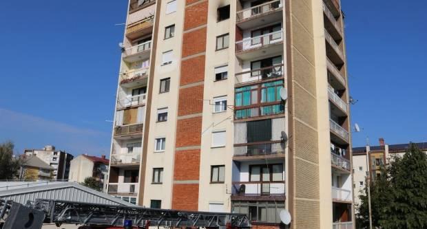 U Požegi, nakon eksplozije, gori stan na 6. katu zgrade, ima ozlijeđenih