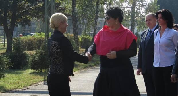 Predsjednica posjetila Slavoniju DI i SŠ Matije Antuna Reljkovića