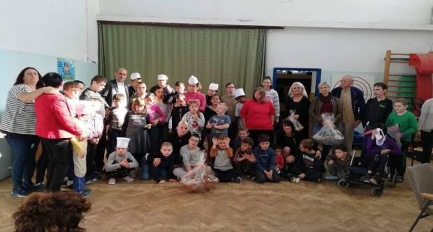 Ženska incijativa brodskog HNS-a posjetila Osnovnu školu ''Milan Amruš''