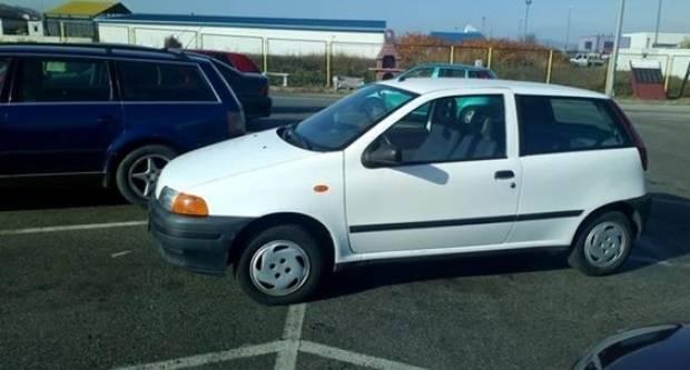 Fiat Puntom zauzeo čak 3 parkirna mjesta