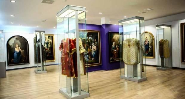 Dijecezanski muzej sastoji se od sakralne zbirke, zbirke moderne i suvremene umjetnosti, etnografske zbirke