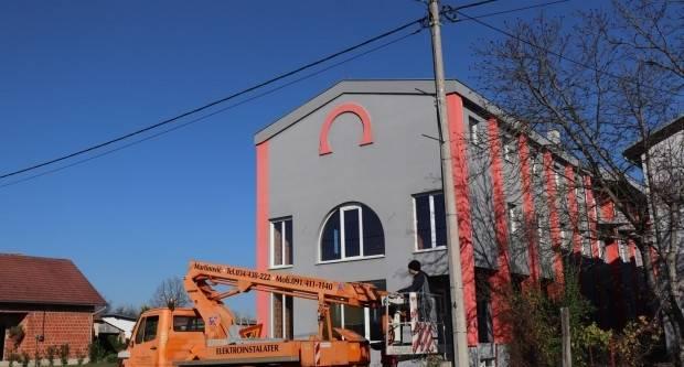 Započelo blagdansko ukrašavanje ulica Lipika