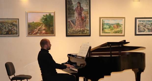 Piano CABARET u lipičkom Multikulturalnom centru