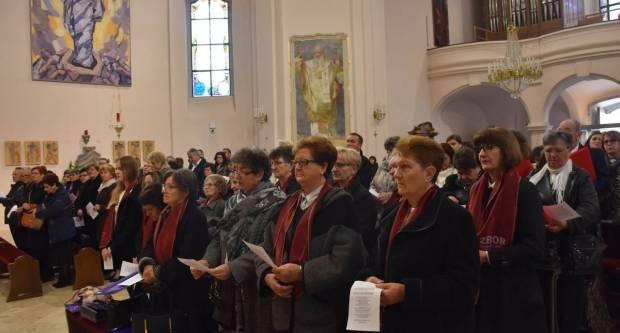 Susret crkvenih zborova Požeške biskupije  u Požegi