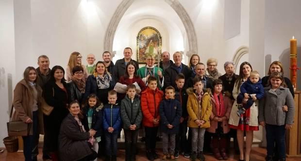 Krštenje petog djeteta trenkovačke obitelji Soukup u Velikoj