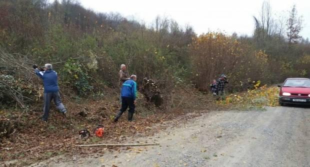 Uređenje seoskih grobalja: Ograda za sedam grobalja