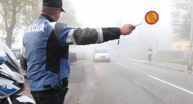 Vincelovski prometni problemi- jedno slijetanje s kolnika, jedan bijeg s mjesta nesreće i vožnja bez vozačke dozvole