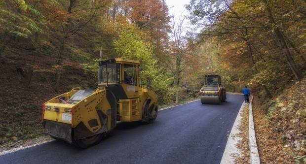 Drndavi makadamski put od Slatinskog Drenovca prema biseru Slavonije- Jankovcu od danas postaje prošlost