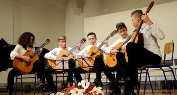 Glazbena škola održala humanitarni koncert za Županijsku ligu protiv raka