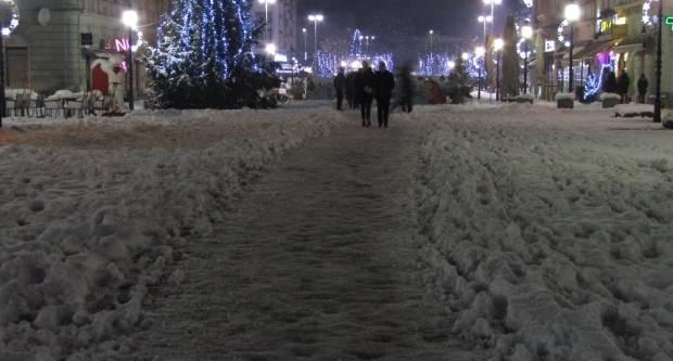 Snježna idila na Korzu (FOTOGALRIJA)