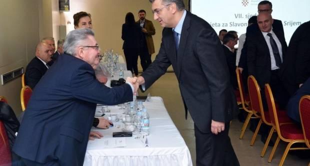 Ronko napao ministra Kujundžića, a on uzvratio hvalom