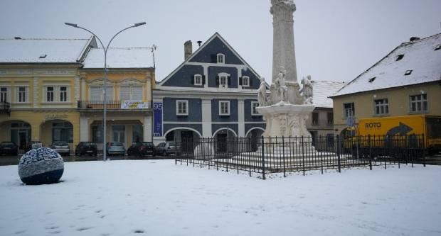 Danas u svim krajevima snijeg, najviša temperatura 2°C