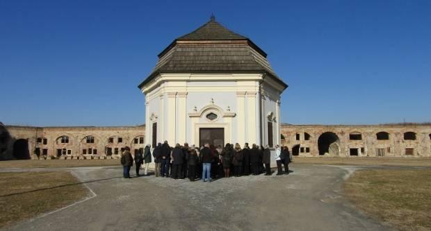 Ni zima nije omela oko 50 građana da obiđu tvrđavu Brod