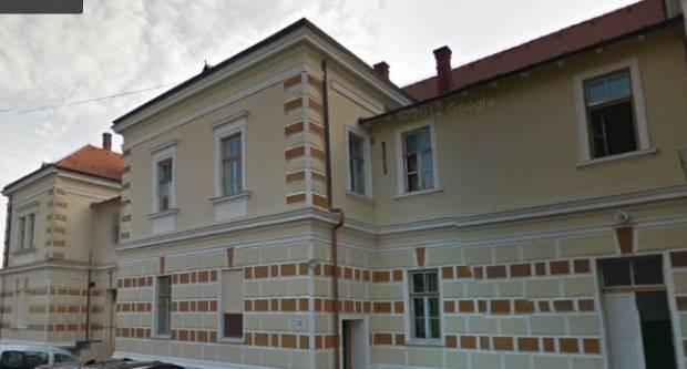 SVAKOG DANA- NOVO IZNENAĐENJE: 42-godišnjak razbijao stakla na školi u Požegi