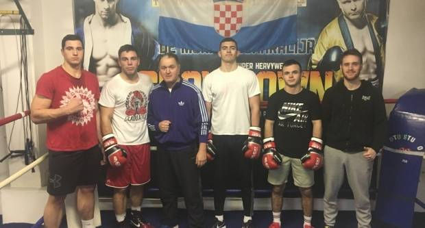 Milun i Filipi na treningu u boksačkom klubu Graciano