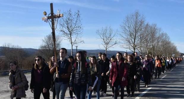 Dvadeseti Križni put mladih Požeške biskupije