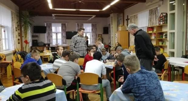 Korisnike Centra za pružanje usluga u zajednici Lipik upoznali s čarima igranja šaha