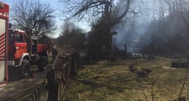 Požar gospodarske zgrade u Škrabutniku