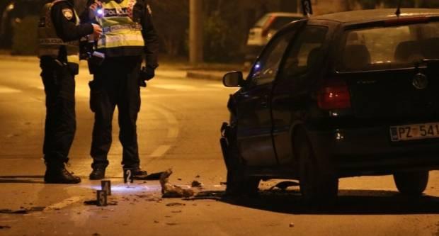 U Grabarju naletio automobilom na mladića i djevojku koji su u teškom stanju prevezni u bolnicu