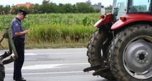 Policija će u idućem razdoblju posebnu pozornost usmjeriti na nadzor prometovanja vozača traktora i radnih strojeva