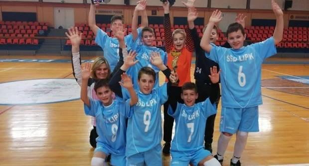 Nogometaši OŠ Lipik osvojili 1. mjesto na županijskom natjecanju