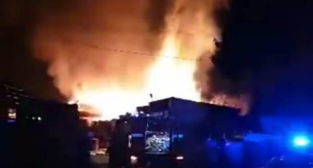 Sinoć u Trnjanima izbio veliki požar na pilani