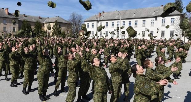 Prisegnuo 24. naraštaj dragovoljnih ročnika u vojarni ʺ123. brigade HVʺ u Požegi