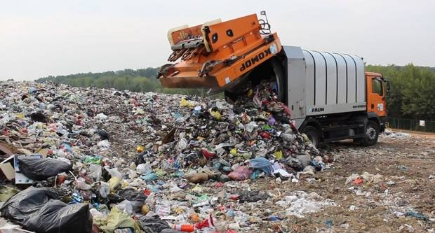 POBUNA U SLAVONIJI: '360.000 tona zagrebačkog smeća žele dovesti k nama, a mogla bi nam doći i spalionica. Nećemo mirovati'