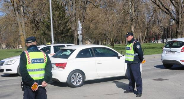 U Kutjevu zaustavljen 35-godišnjak s 2,34 promila alkohola, slijedi mu kazna do 20 tisuća kuna