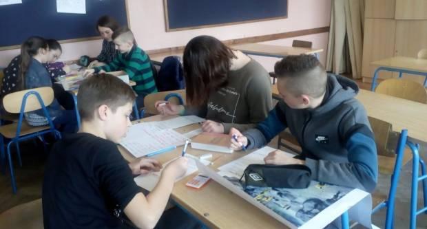 Pleternički učenici se razglednicama bore za solidarniji svijet – šalji dalje!