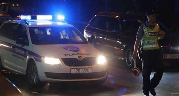 Zbog neprilagođene brzine teretnim vozilom sletio s kolnika i udario u zaštitnu ogradu u Cerovcu