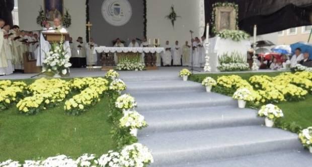 Program nastupa požeškog biskupa u uskrsno vrijeme