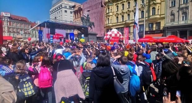 Učenici OŠ Lipik i gradonačelnik Kasana sudjelovali na otvaranju 23. Plazma sportskih igara mladih