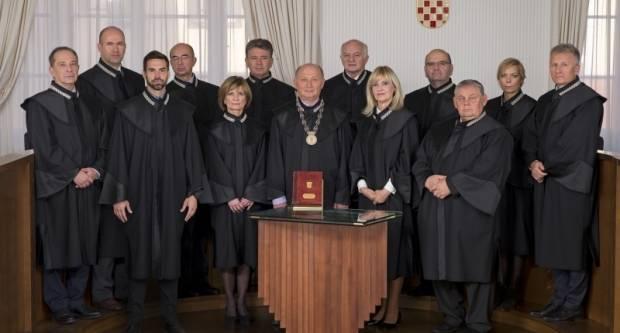 ʺLuda babaʺ iz Velike natjerala Ustavni sud da ju zaštiti