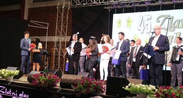 Tamburaši ʺRužeʺ iz Subotice pobjednici festivala ʺZlatni glas zlatne doline 2019.ʺ