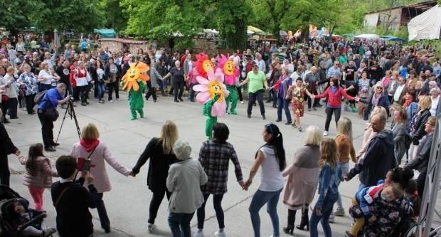 U rapsodiji lipičkog sajma cvijeća uživalo nekoliko tisuća posjetitelja