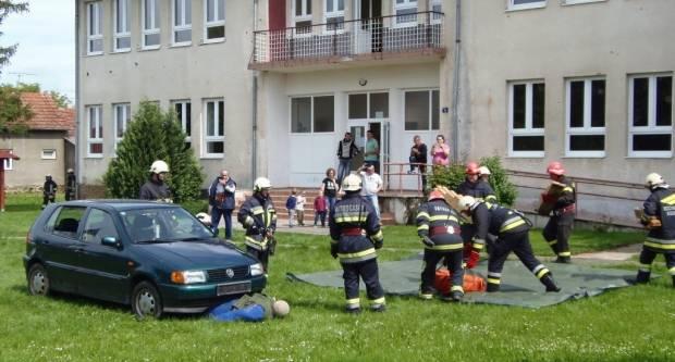Vatrogasna zajednica Pakrac-Lipik: Pokaznim intervencijama dokazali visoku spremnost