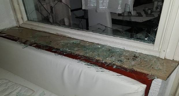 SLAVONSKI BROD - Nasilno upao u ʺvlastituʺ kuću, polomio namještaj - pokušao ubiti kćer