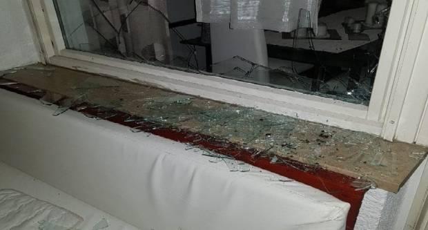 NAŠ PORTAL U BRODU JAVLJA EKSKLUZIVU: Nasilno upao u ʺvlastituʺ kuću, polomio namještaj te pokušao ubiti kćer
