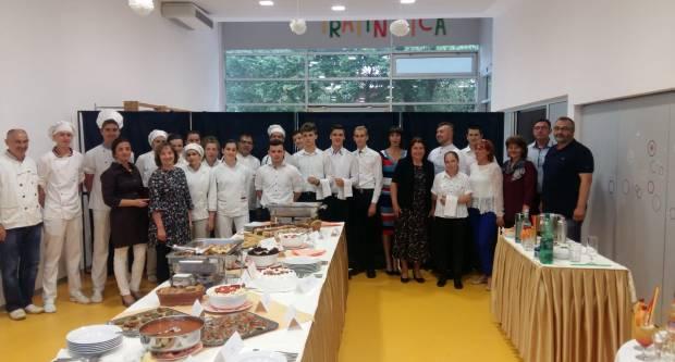 Obrana završnih radova konobara i kuhara u Pleternici