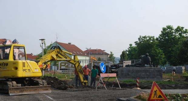 Radovi na trgu u Pakracu: Prvi vidljivi rezultati