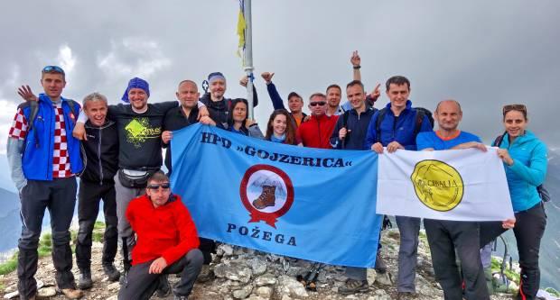 HPD Gojzerica Požega u pohodu po Rumunjskoj: Obišli Transilvaniju i osvojili Karpate