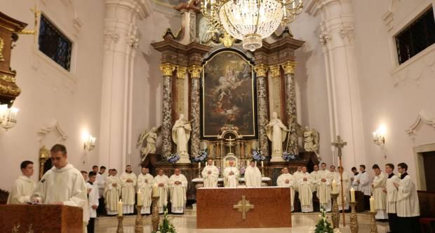 Euharistijsko slavlje povodom 22. obljetnice osnutka Požeške biskupije i imenovanja njezina prvog biskupa