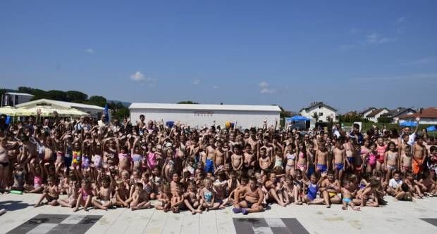 Čak 407 djece upisalo ovogodišnju školu plivanja na požeškim bazenima