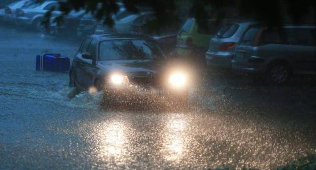 VIDEO: Neki dijelovi Slavonije su sinoć izgledali kao da su pod udarom uragana