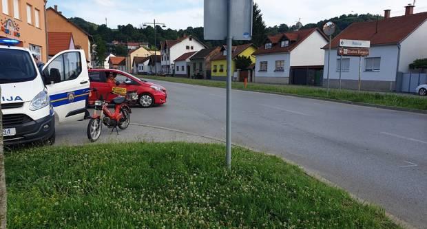 U jučerašnjim prometnim nesrećama u Požegi dva mopedista lakše ozlijeđeni