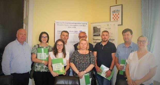 Potpisani ugovori o potporama između Grada Lipika i lipičkih poduzetnika